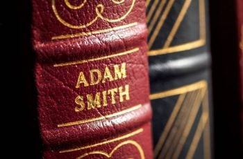 Adam Smith: A História e o que o Pai da Economia Moderna Tem a Nos Ensinar Sobre A Vida