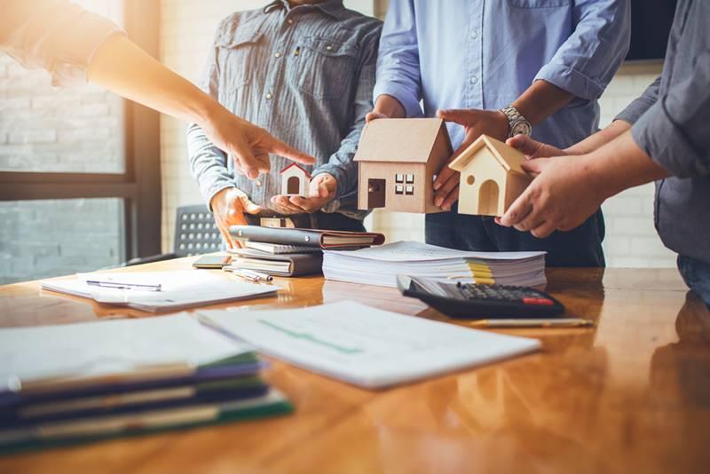 Imóvel ou Fundos Imobiliários
